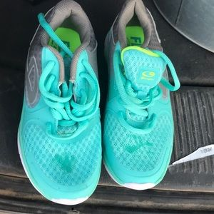 Girl running shoes